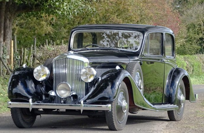 A real gem, the 'Boucheron' Bentley heads to auction