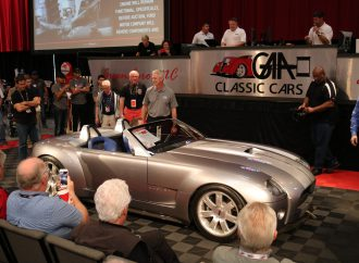 Ford's Shelby Cobra concept hammers for $825,000 in charity sale