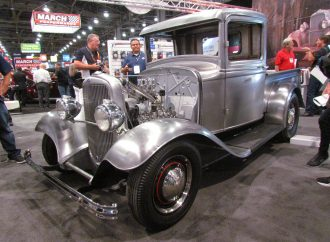1932-34 Ford pickup reborn in new sheetmetal