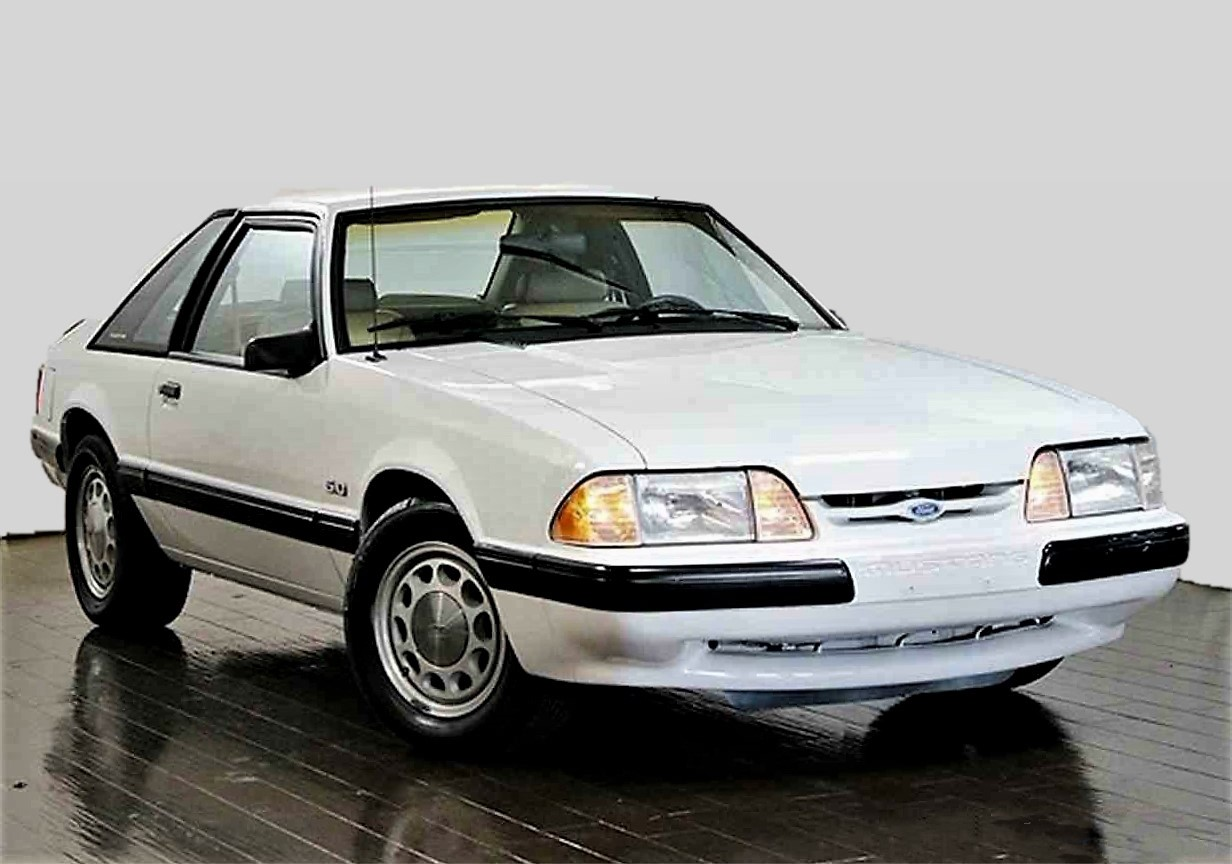 Foxy looking 1987 ford mustang lx