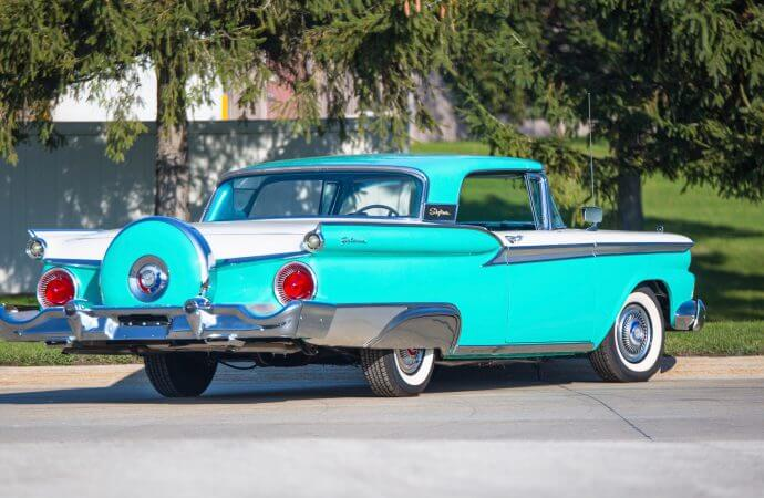 'Retractable Collection' of 27 mid-to-late '50s Fords heading to Kissimmee