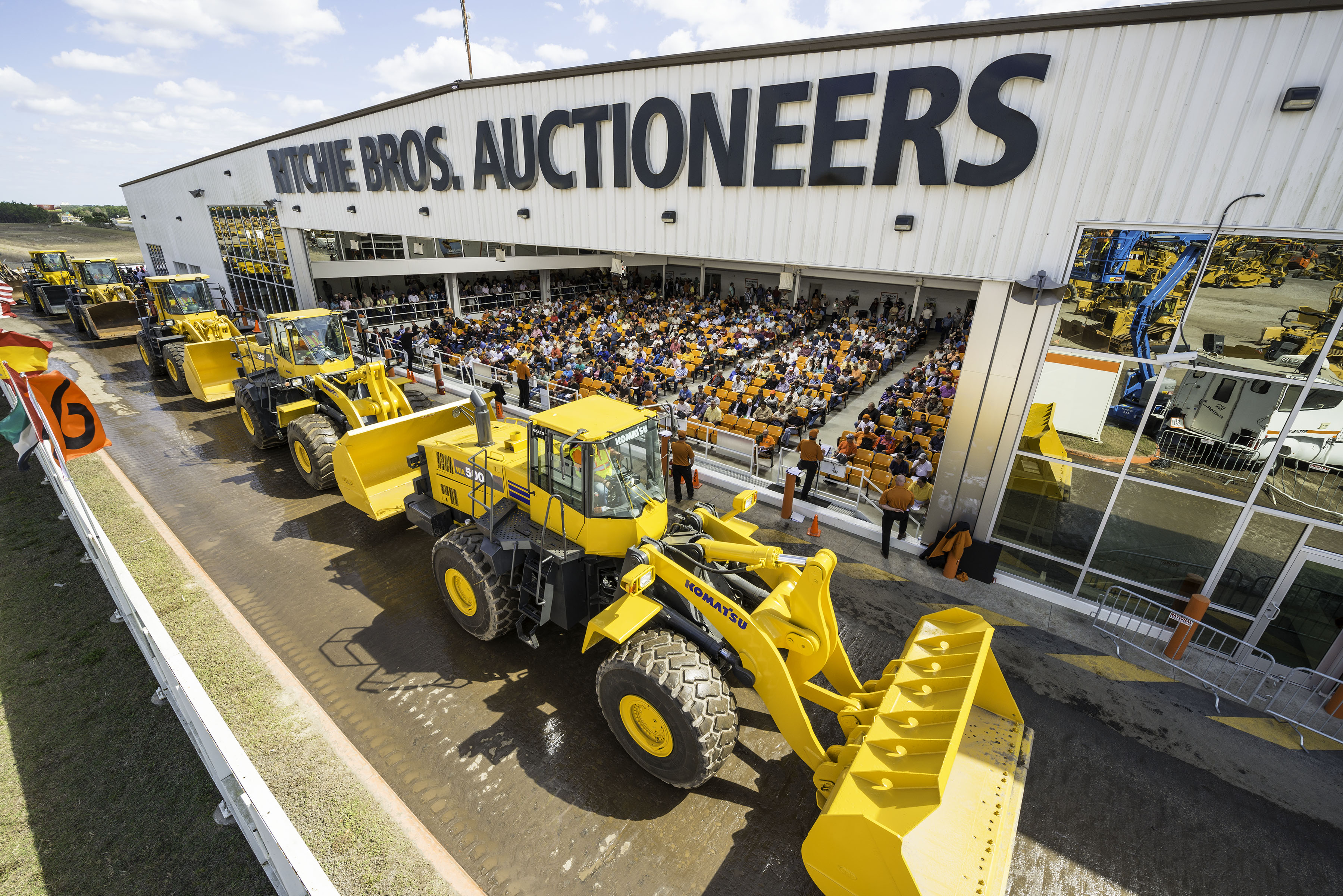 Without reserve, one-lane format propels Leake sales results at Dallas