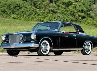 Stylish 1962 Studebaker GT Hawk