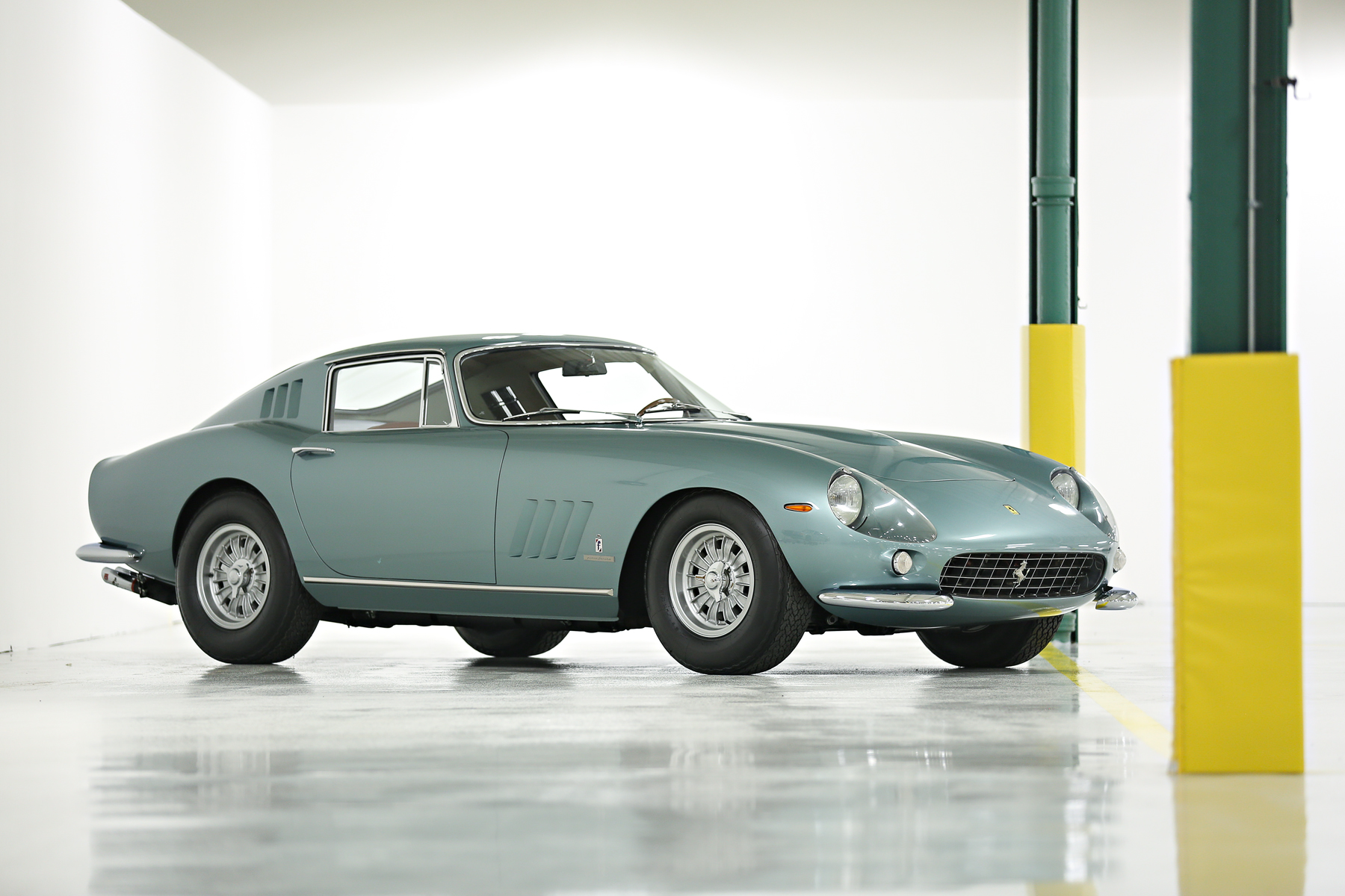 ClassicCars.com Reports: European classics flounder at AZ Auction Week
