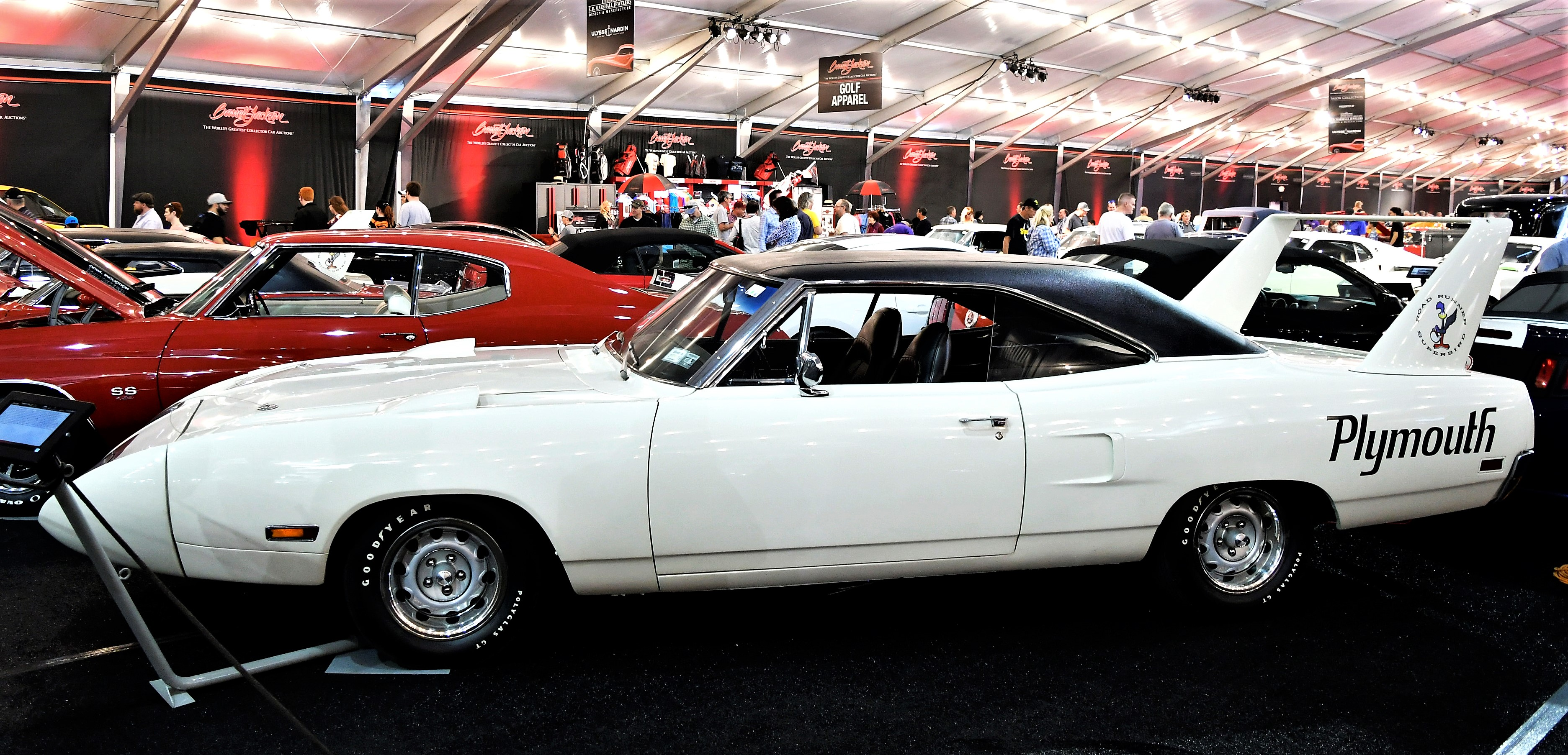 Top-dog muscle cars ready for action at Barrett-Jackson in ...