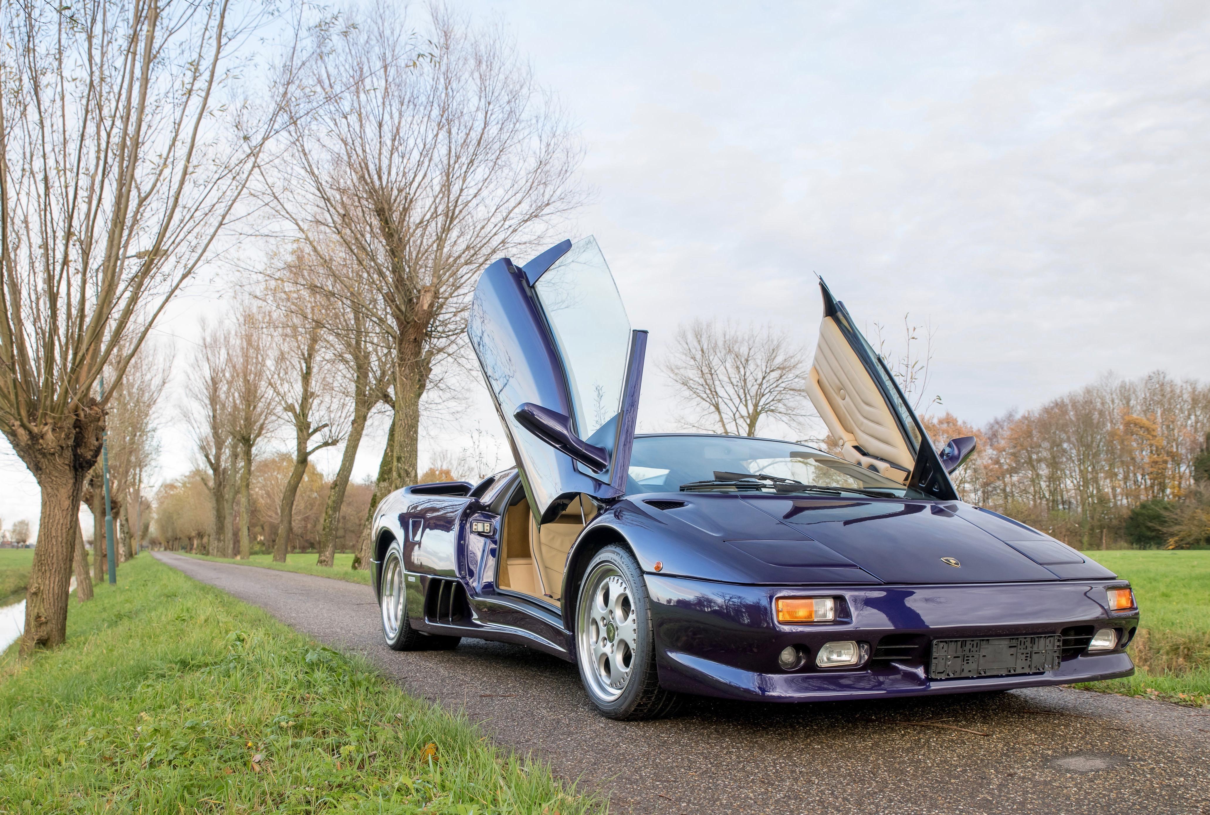 Bonhams, Bonhams boasts of Lamborghini lineup for its Paris auction, ClassicCars.com Journal
