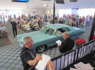 How to buy or sell a car at auction