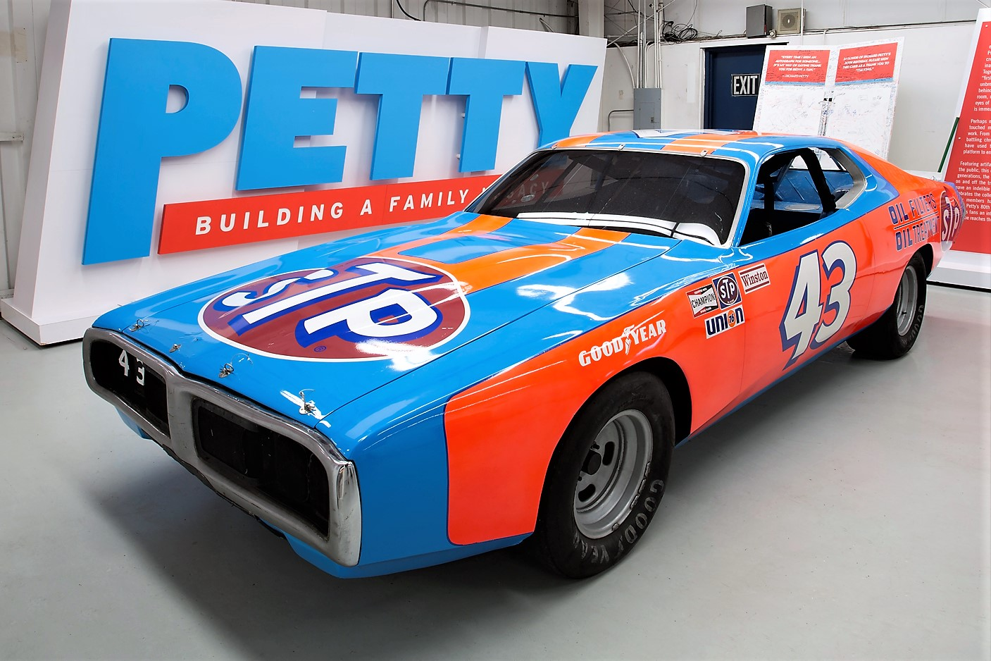 NASCAR great Richard Petty's collection to be auctioned | ClassicCars