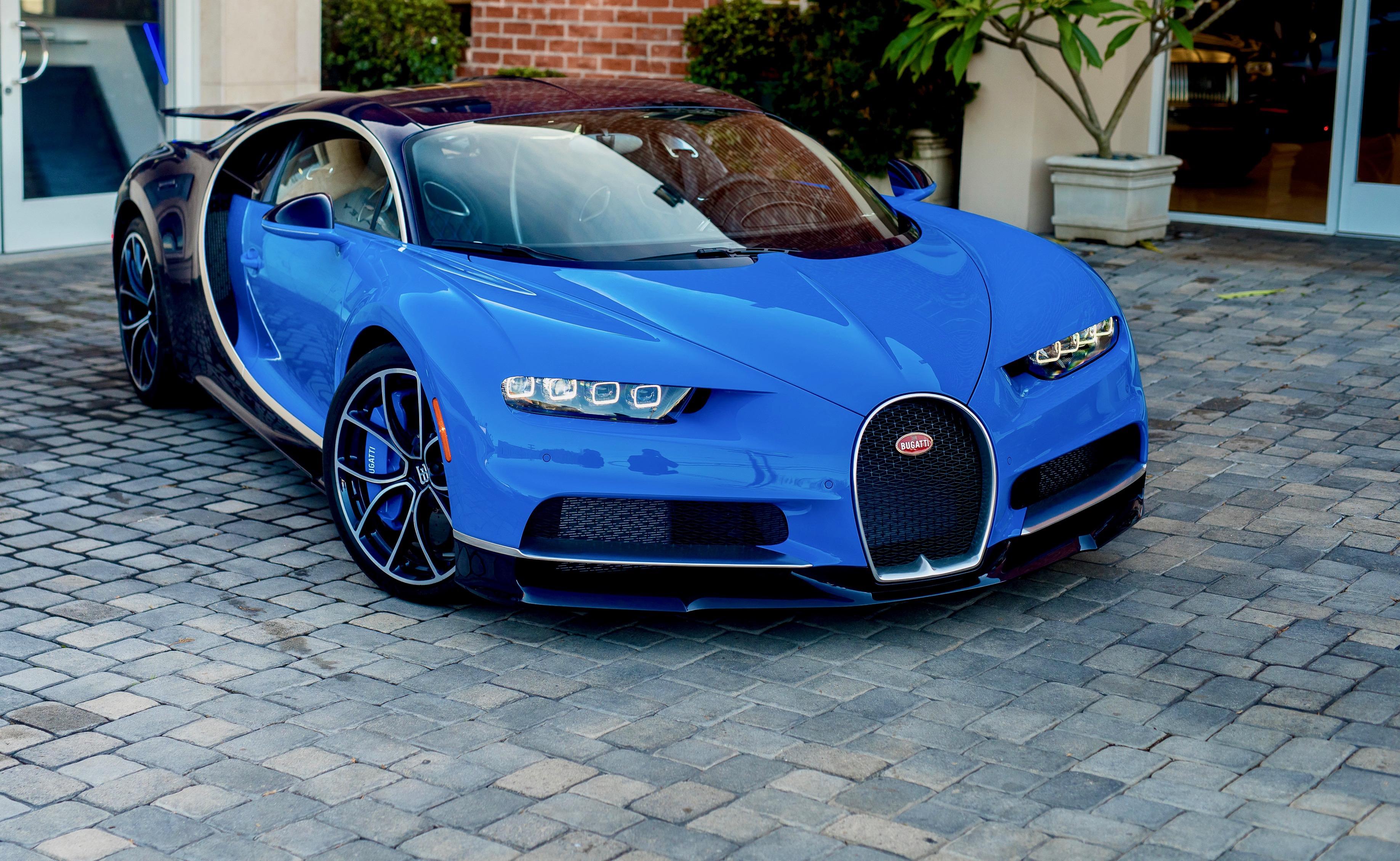 Bugatti, McLaren headline Mecum's LA auction docket | ClassicCars.com