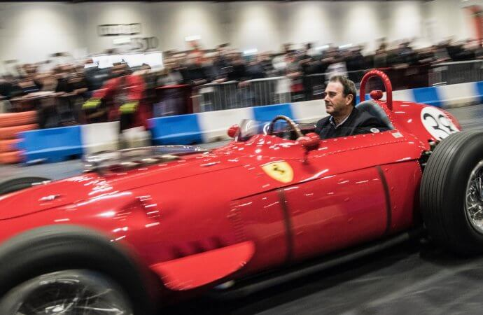 Mansell helps wrap up record-setting London Classic Car Show