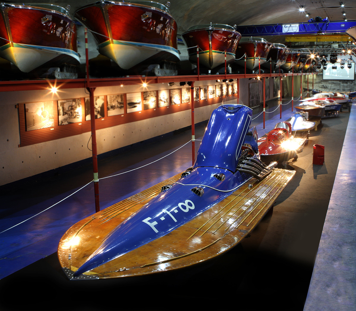 Like a Bugatti on the water: Rafale V racing boat on Paris auction docket