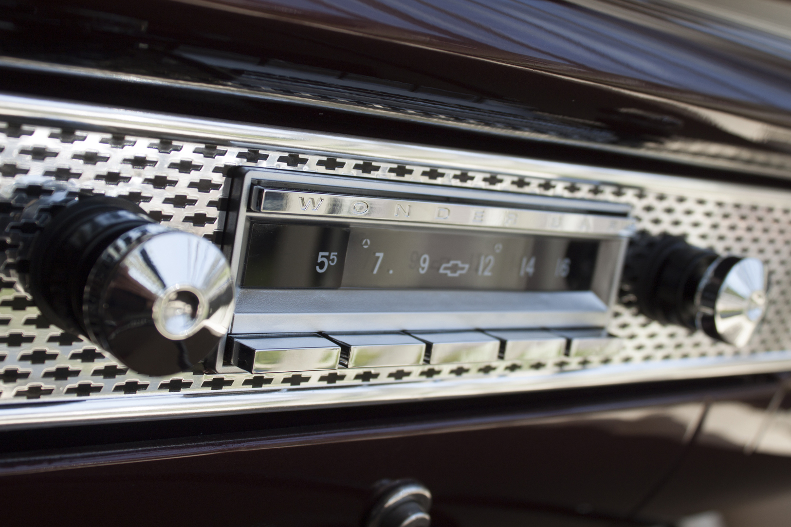 Modern radio for classic GM vehicles | ClassicCars.com Journal