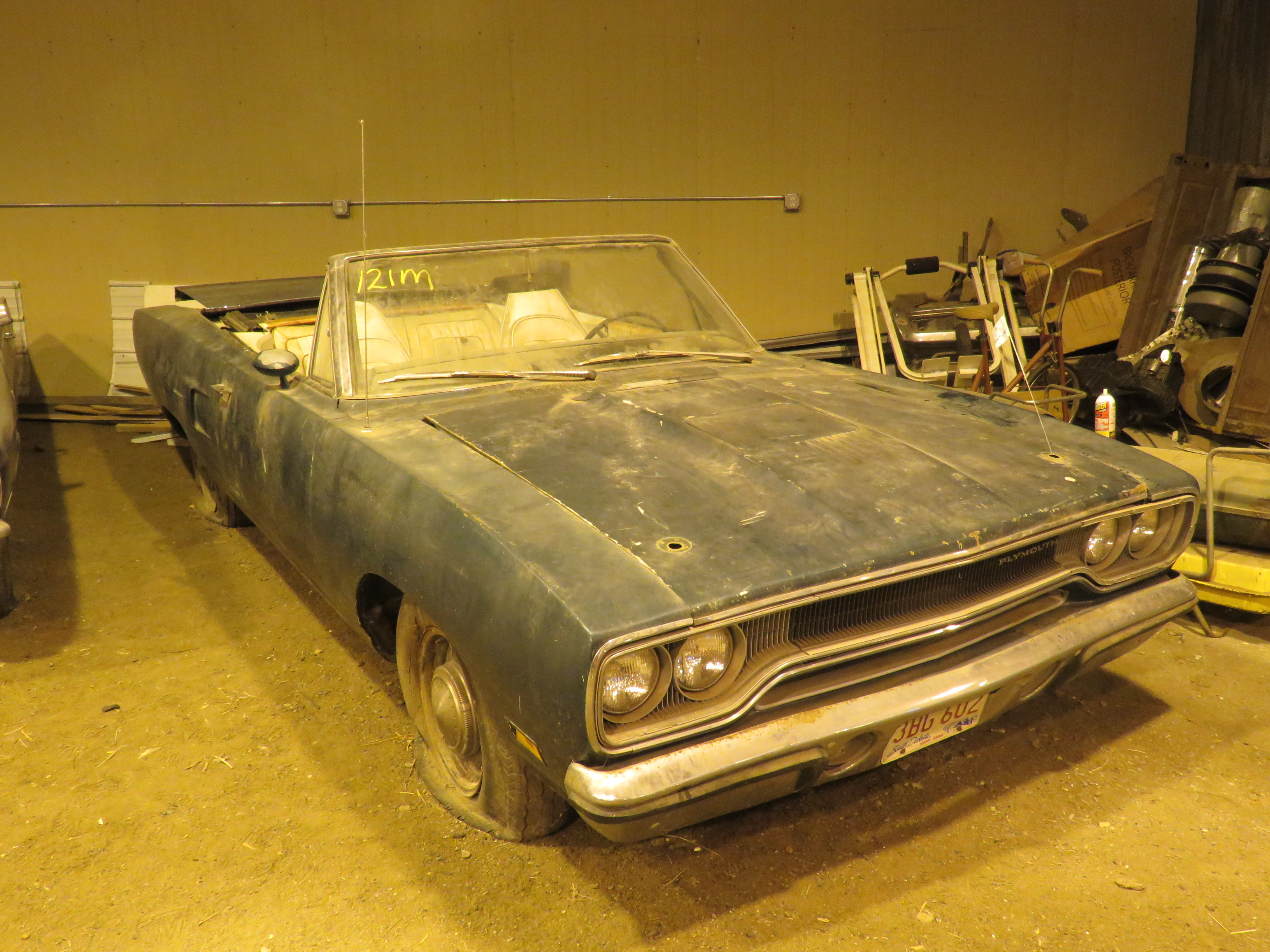 Barn-finds indeed! VanDerBrink auctioning fields of dreams | ClassicCars