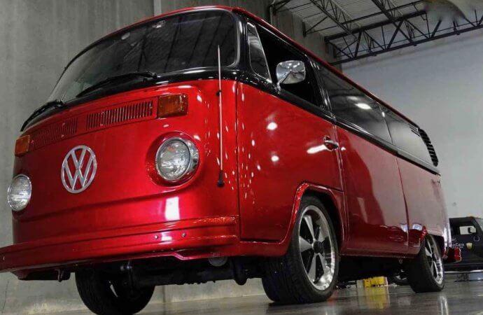 Birthday party van: VW Microbus