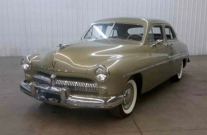 '49 Mercury looks stock, but doesn't sound that way