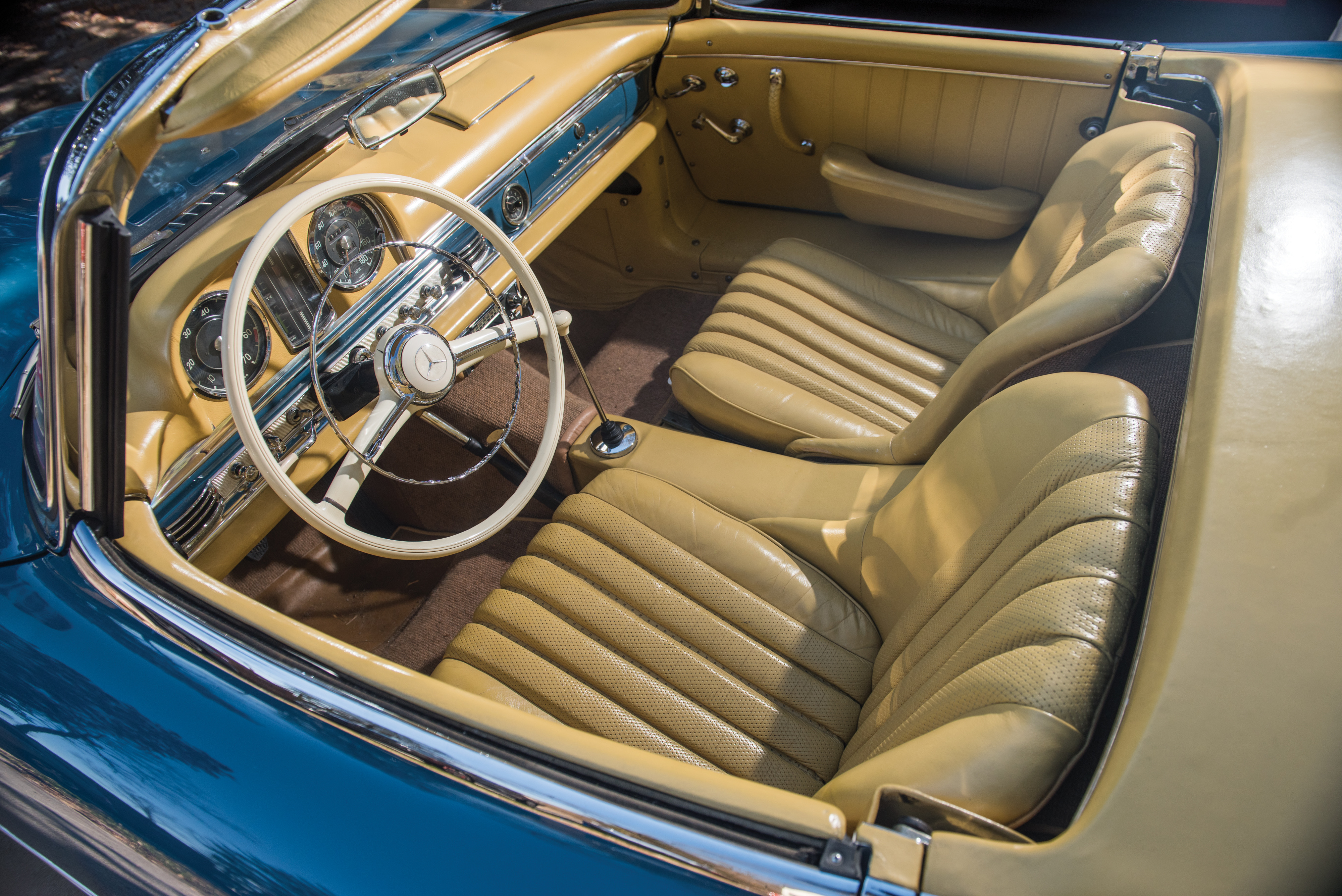 RM Auctions consigns 1962 Mercedes-Benz 300 SL roadster | ClassicCars