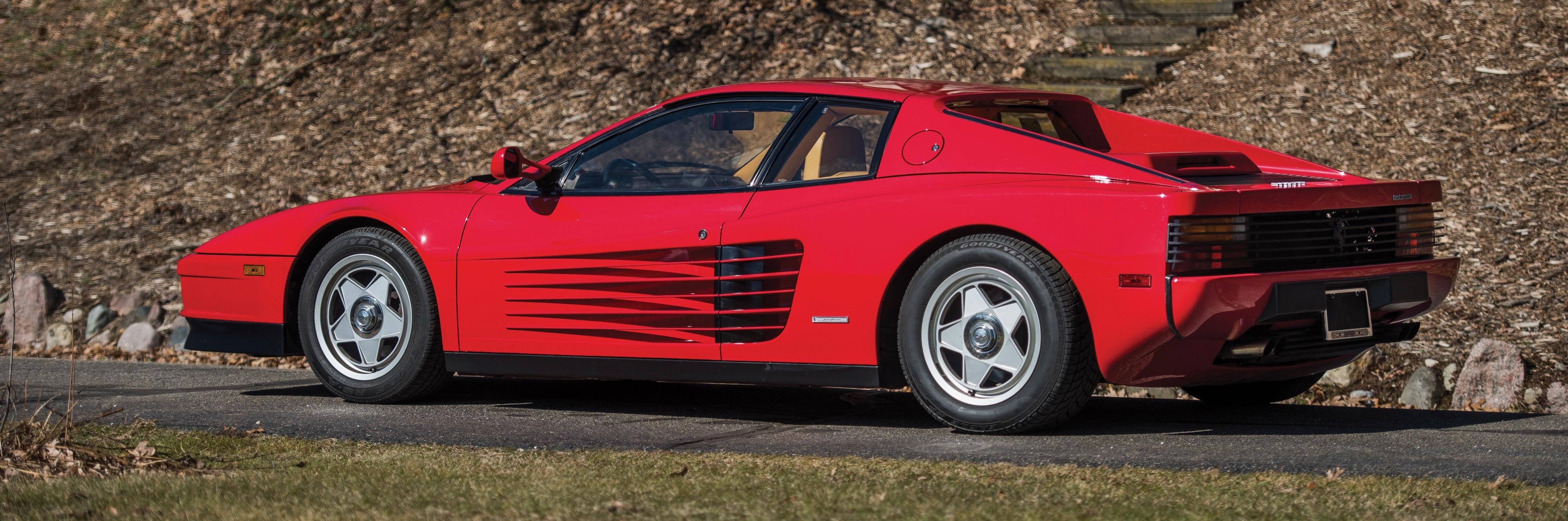 Red 1987 Ferrari