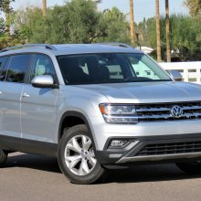 Brawny Atlas carries VW into larger scale but with a soft touch