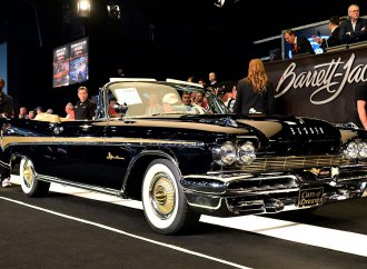 'Cars of Dreams,' Burt Reynolds lift Barrett-Jackson Florida sale