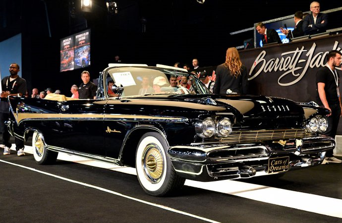 'Cars of Dreams,' Burt Reynolds lift Barrett-Jackson Florida sale
