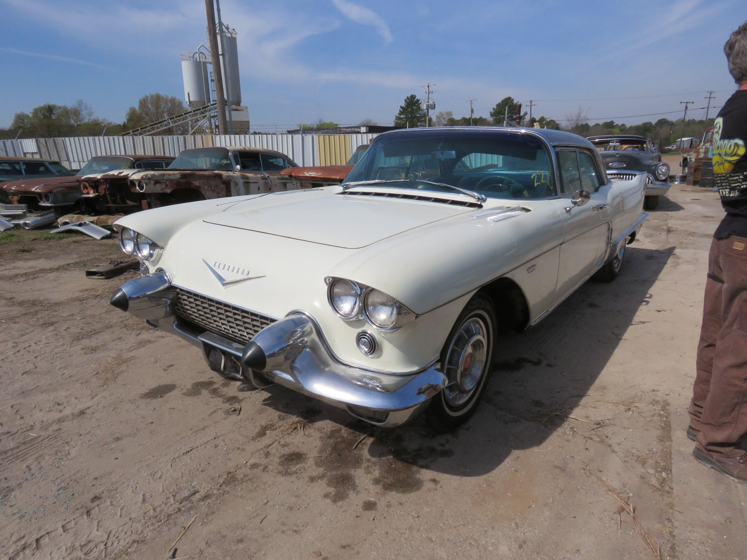 hundreds of finned cars rare cadillacs hit texas auction block. Black Bedroom Furniture Sets. Home Design Ideas