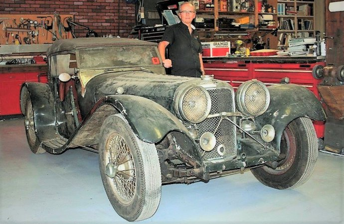 'Missing' 1938 SS-100 Jaguar recovered after 60 years in shed