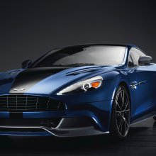 007's Aston Martin to be sold for charity