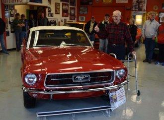 Volunteers restore WWII vet's once-stolen classic Mustang