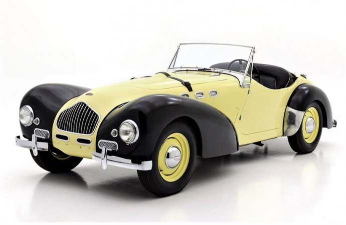Rare 1951 Allard K2 sports car with flathead-Ford V8 power
