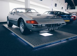 Ferrari Daytona tops Silverstone auction doubleheader