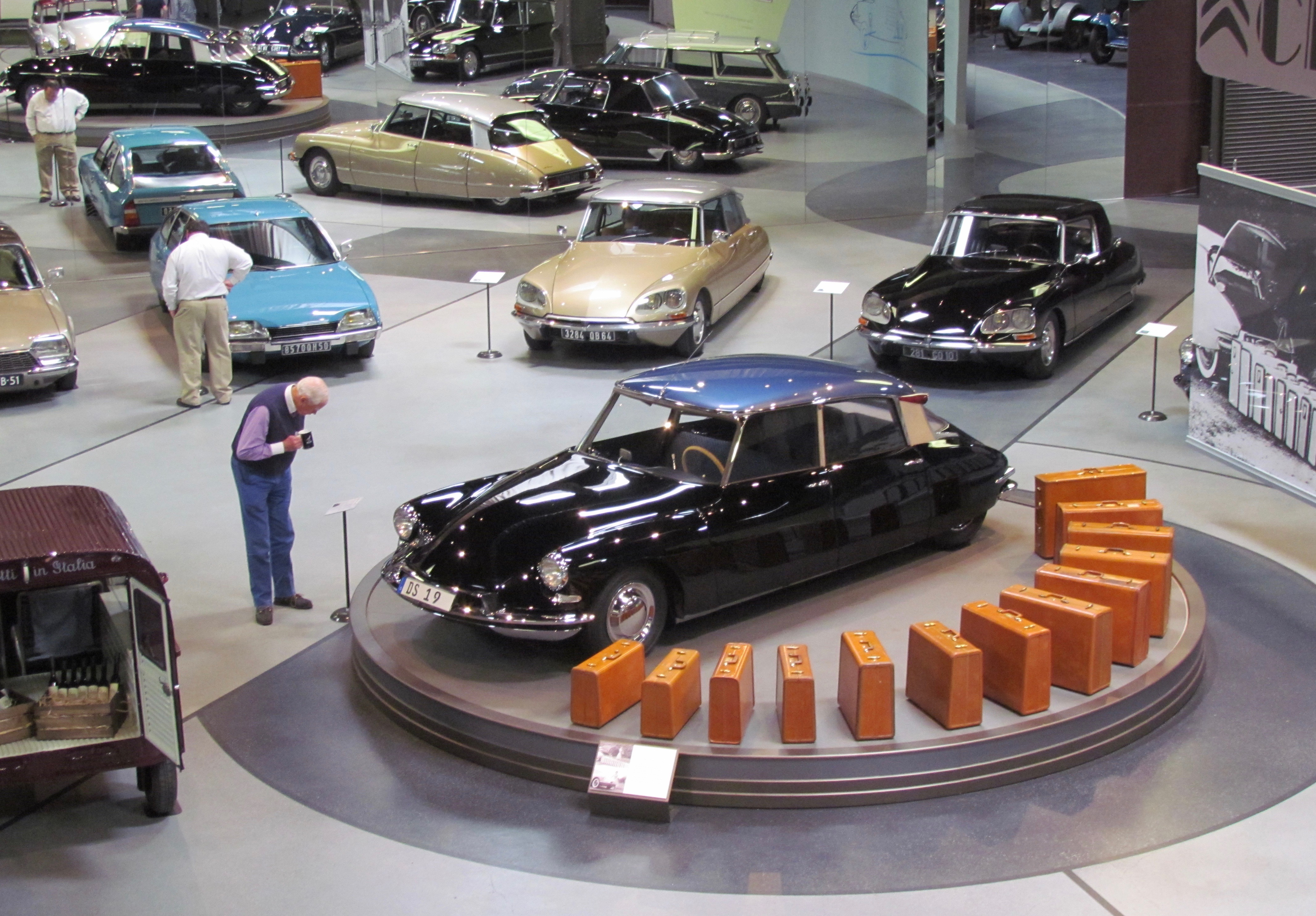 top car collectors, Who are they? Age 72, 96 percent male, average worth of $800 million, ClassicCars.com Journal