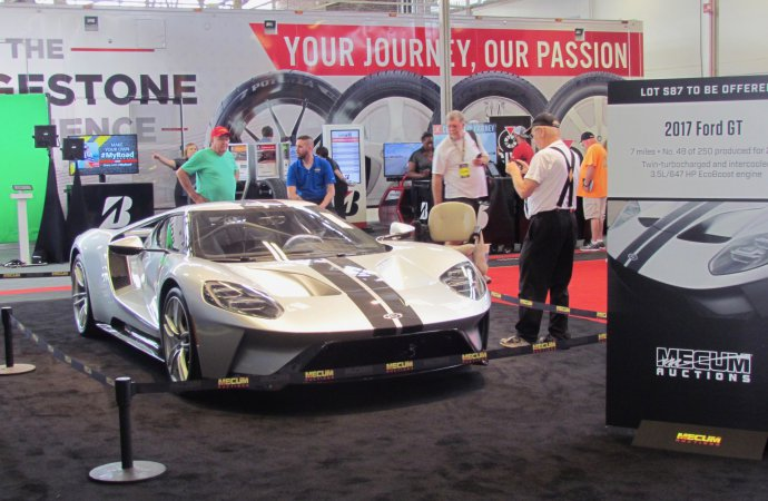 Ford, Mecum reach settlement in Ford GT dispute