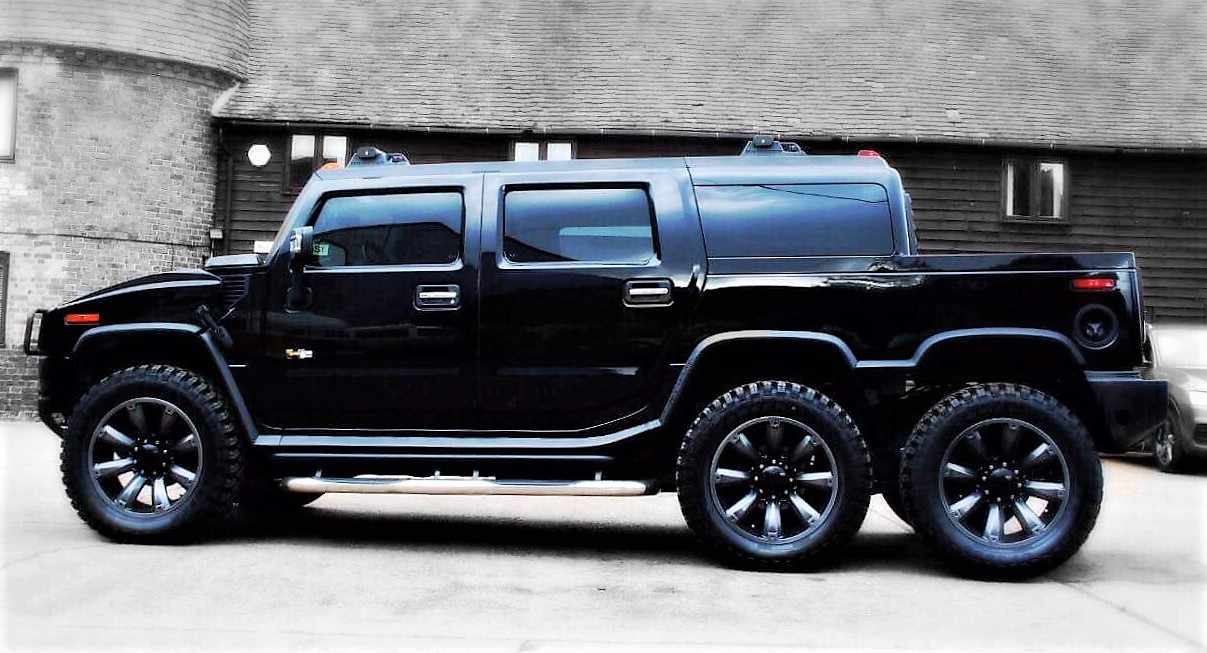 The oversized six-wheeled Hummer ready for the London Motor Show   Confused.com