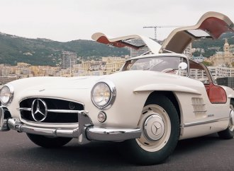 Take a spin in Monaco in Nico Rosberg's Mercedes-Benz 300SL