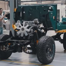 Watch the FJ Company restore a Toyota FJ40