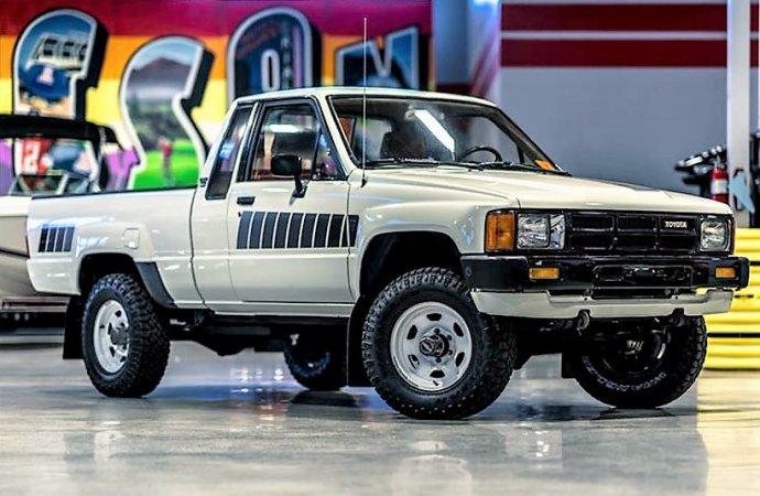Clean original 1985 Toyota pickup
