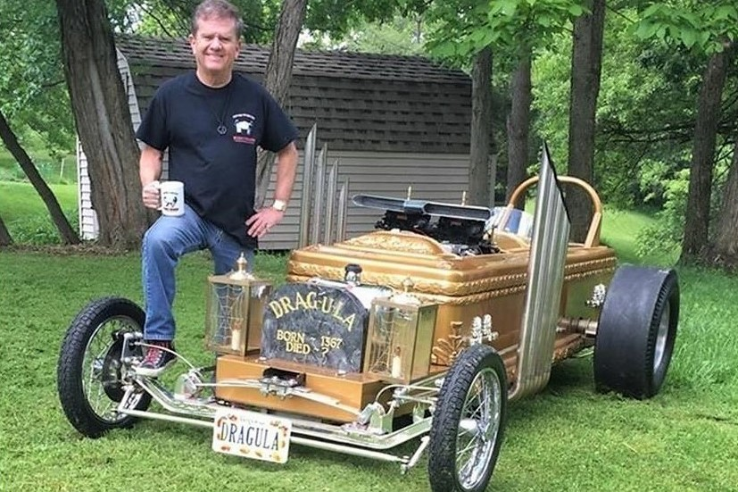 eddie munster s custom coffin dragster is the pick of the day. Black Bedroom Furniture Sets. Home Design Ideas