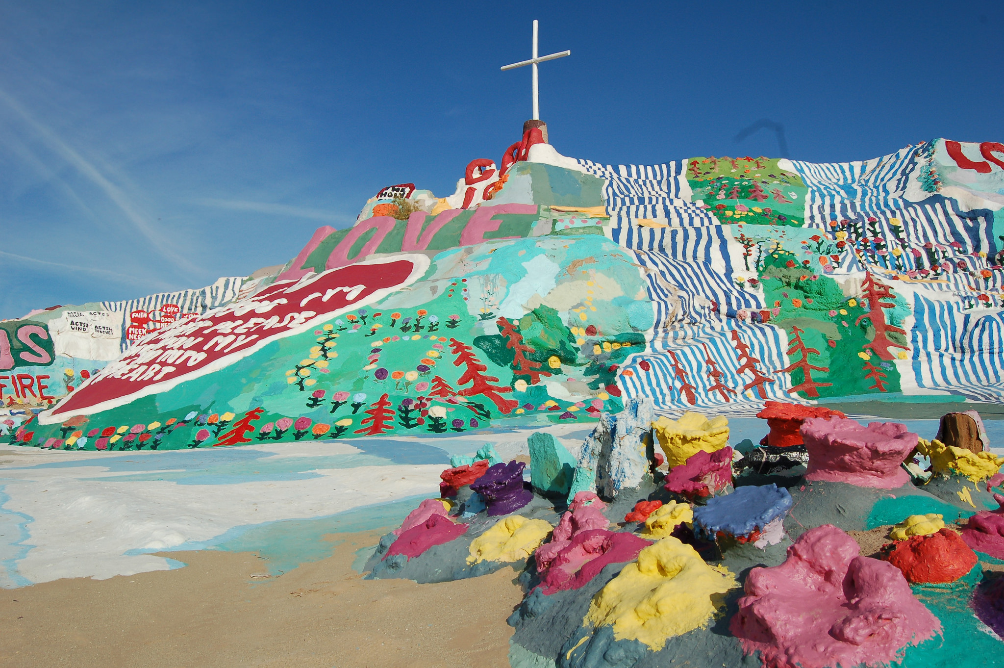 Salvation Mountain is a bright spot in the middle of the California desert. | Flickr photo by Brian used with no alterations under license CC 2.0