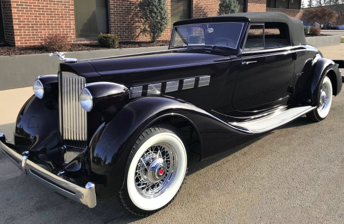Deep-purple 1935 Packard wins AACA Zenith Award