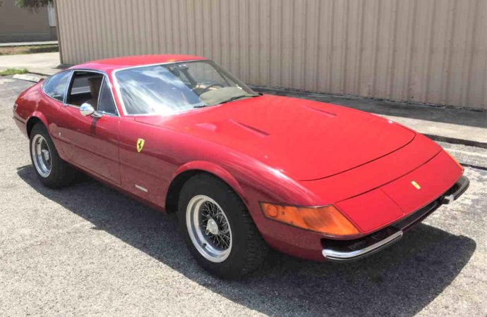 'Best sports car' 1972 Ferrari 365 GTB/4 Daytona