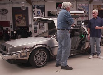 'Back to the Future' creator brings DeLorean to 'Jay Leno's Garage'