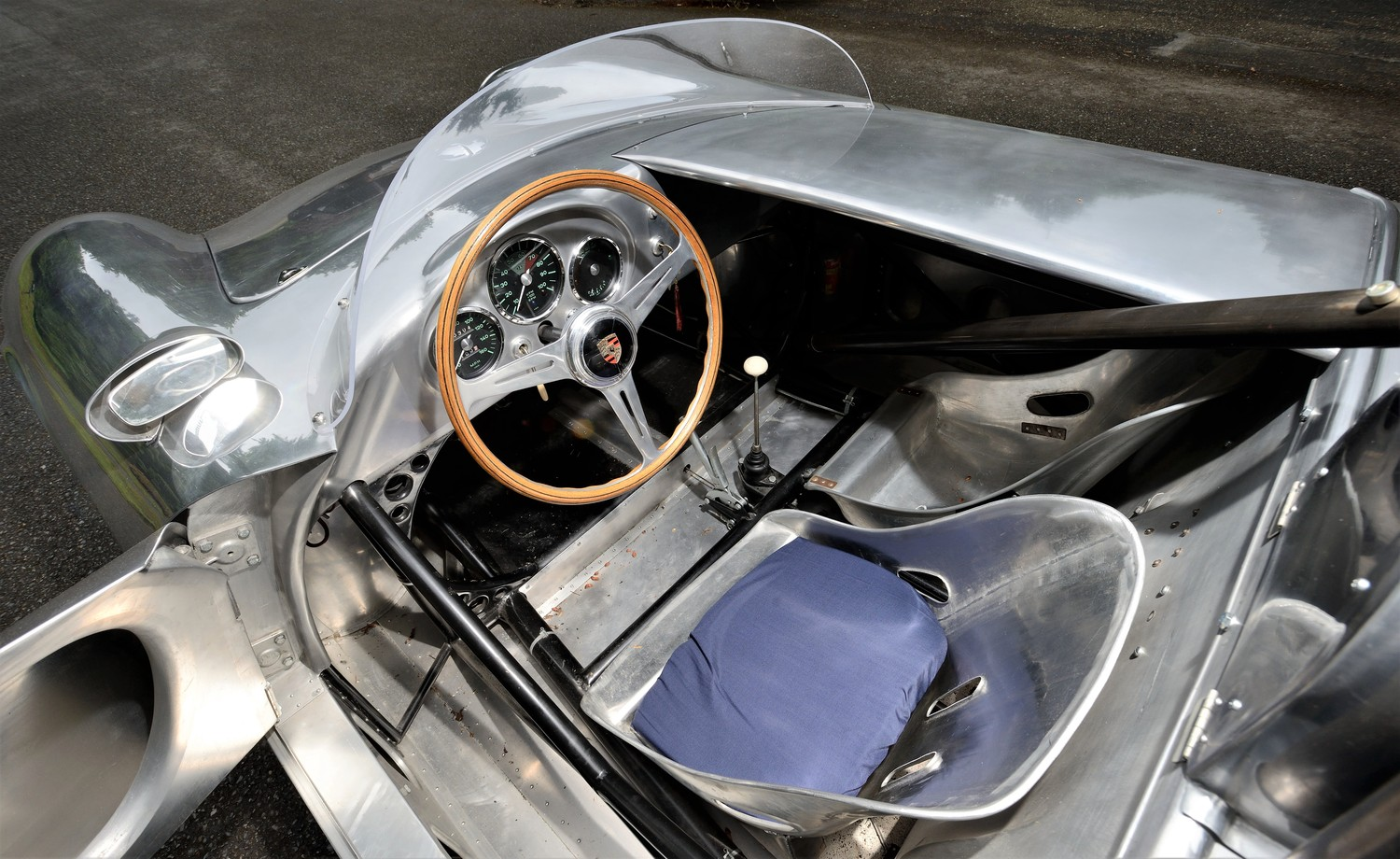 The interior of the Porsche 550A is all-business