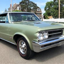 1964 Pontiac GTO, the muscle car that started the entire craze