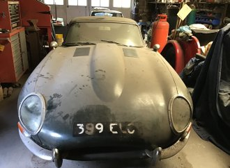 Barn finds highlight British Buxton auction
