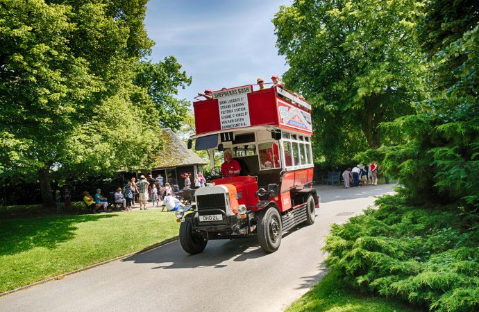 Beaulieu's movie-star bus celebrates an anniversary