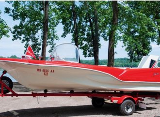 Just add water: 1960 Redfish Shark 15