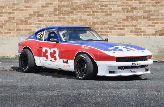 '74 Datsun 260Z racer tribute has Chevy V8 engine
