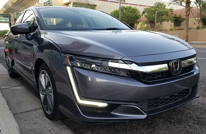 The 2018 Honda Clarity plug-in hybrid looks great from the front. But, as you'll see later, things get confused toward the rear. | Carter Nacke photo