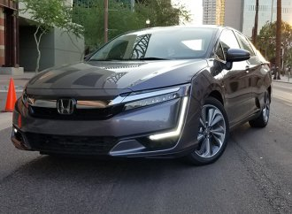 Honda Clarity long on gas mileage, short on driving experience