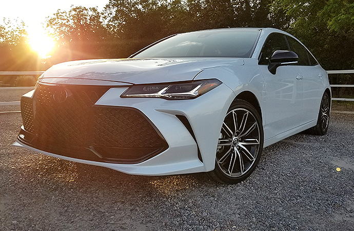 Aside from a gargantuan grille, the new Avalon has some great style. | Carter Nacke photo